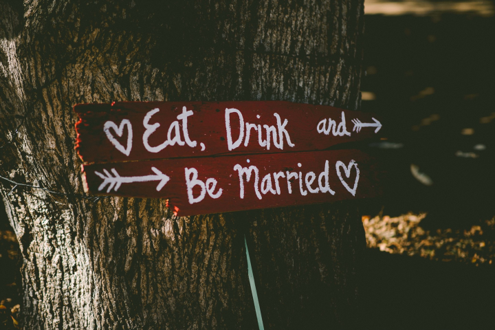This way to be hitched!